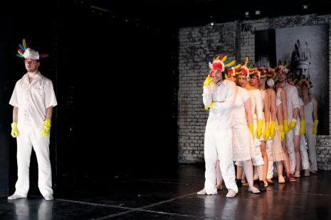 Inszenierung HERMES IN DER STADT v. Lothar Trolle, Regie: Frank Riede, Studiotheater Charlottenburg 2012 (Foto: Schauspielschule Charlottenburg)